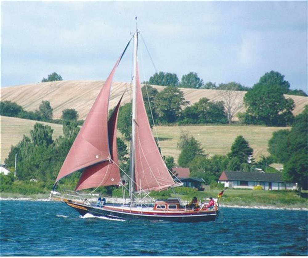 Uecker Yacht- und Bootsbau Rendsburg - Fahrensmann 36